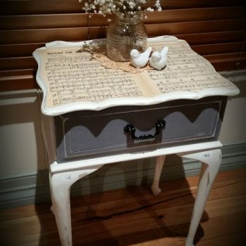 DIY Music Sheet Side Table | www.raggedybits.com