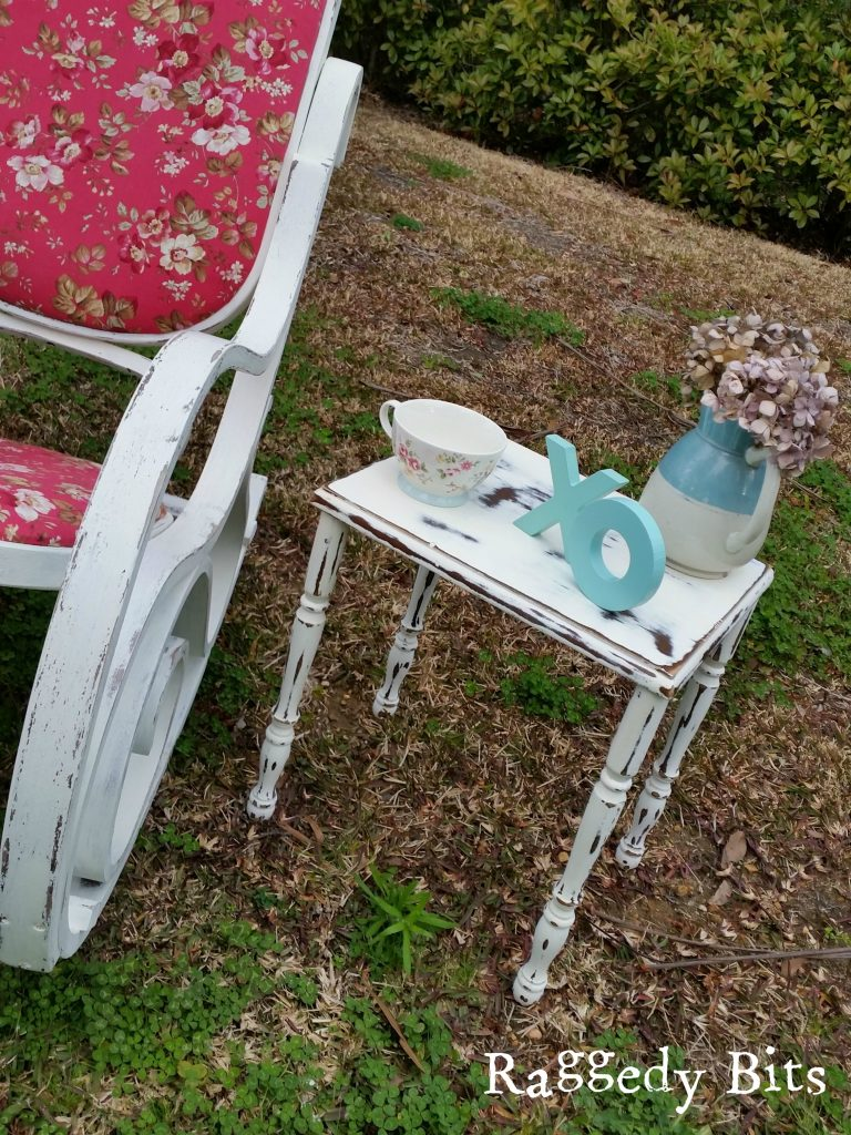 See how I gave this tired old Rocking Chair a Vintage Rocking Chair Updo | www.raggedy-bits.com