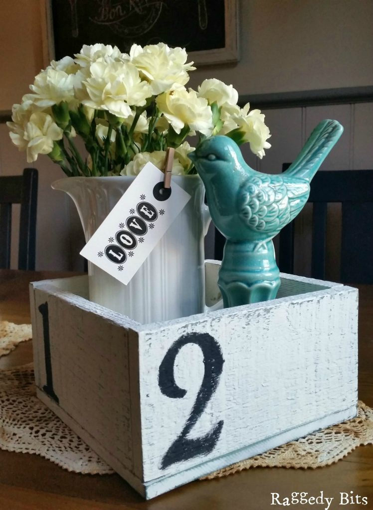 Sharing a few Simple Ways using numbers to decorate to add some Farmhouse Charm to your home | www.raggedy-bits.com