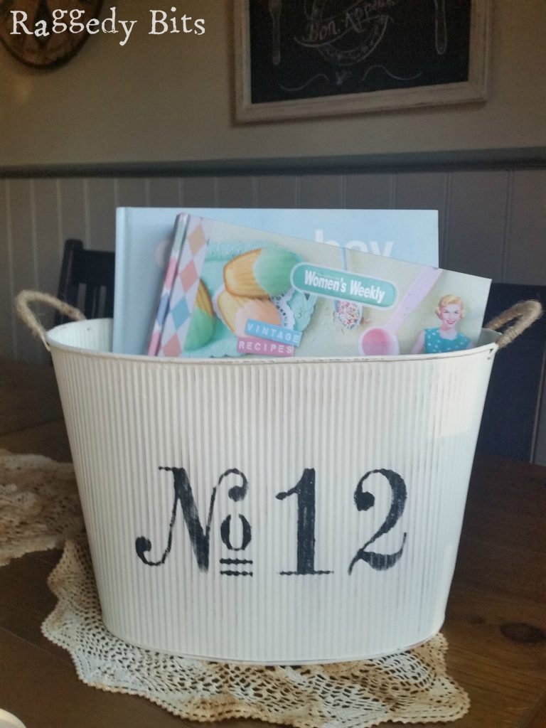 See how super easy it is to give 5 Thrifted finds a nice Farmhouse look | www.raggedy-bits.com