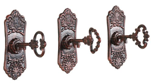 Set of 3 Farmhouse Lock and Key Hooks. A collection of 10 Farmhouse Finds Under $25 | www.raggedy-bits.com