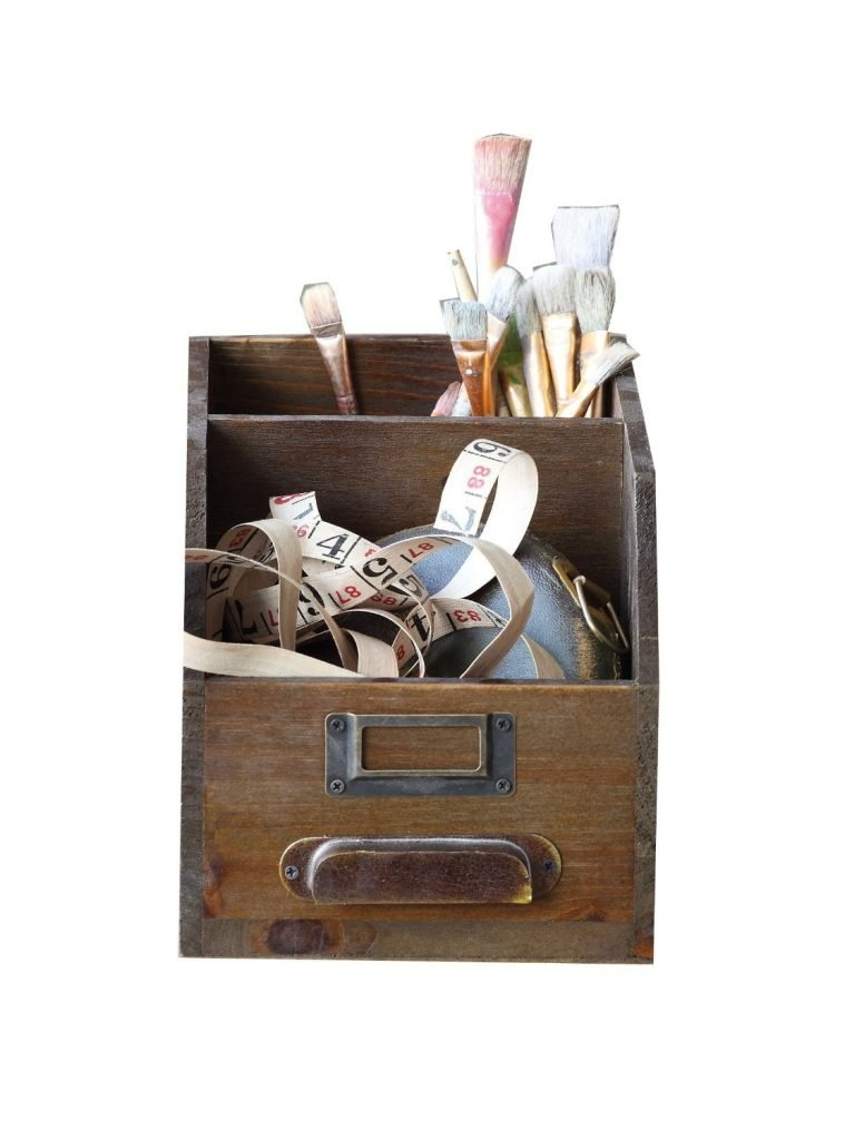 Farmhouse Wooden Caddy - A collection of 10 Farmhouse Finds Under $25 | www.raggedy-bits.com