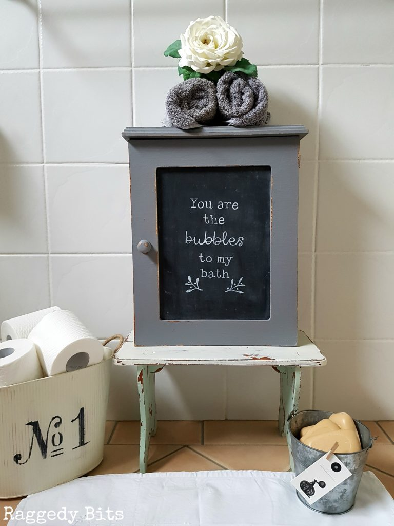 Turn a dated cupboard into a Repurposed Chalkboard Medicine Cabinet using chalk mix and a FREE printable. Full Tutorial | www.raggedy-bits.com