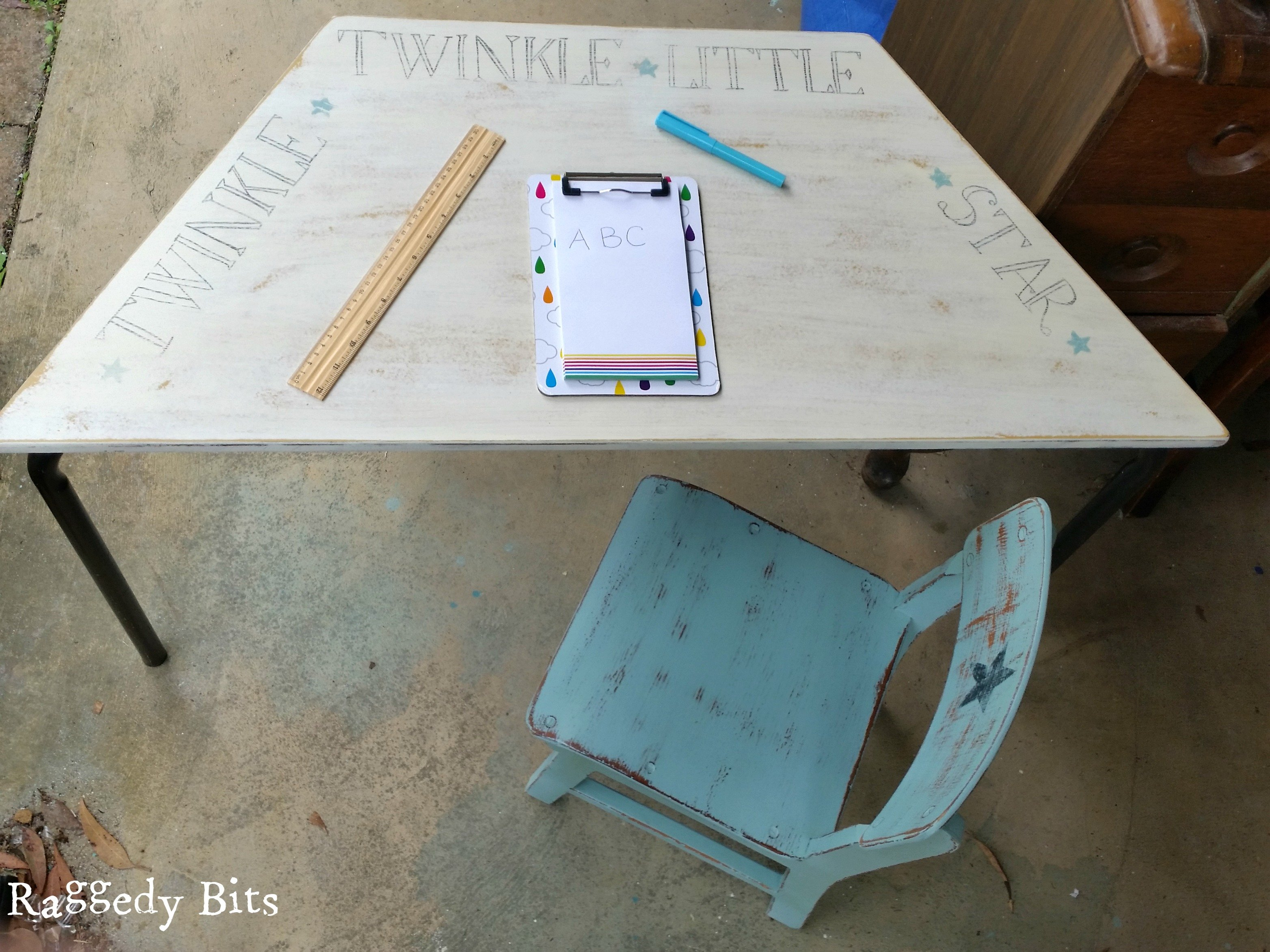 "After finding this cute kids table and chair at a garage sale I decided to give it a makeover. The Twinkle Twinkle Kids Table and Chair makeover had to be one of most fun makeovers I have done, as the smiles and excitement that the new ""little"" owner sure did make my day! Full tutorial 