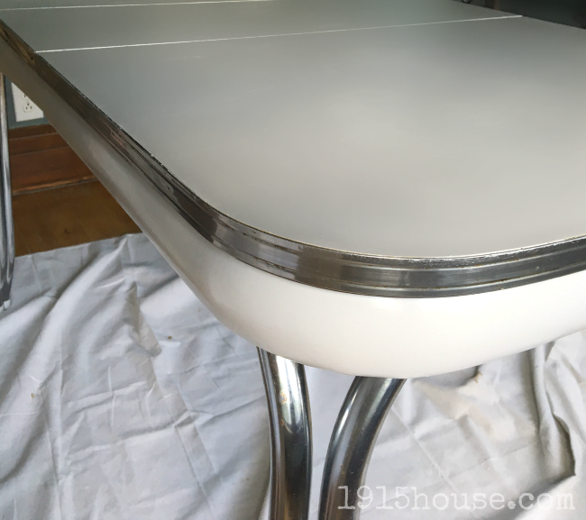 Old Formica Table gets a Fresh New look which is a feature from Waste Not Wednesday-10 by 1915 House  www.raggedy-bits.com