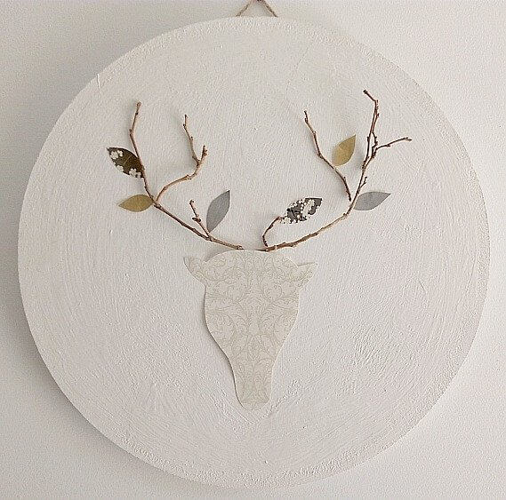 DIY Deer Sign for Fall which is a feature from Waste Not Wednesday-15 by KreativK | www.raggedy-bits.com