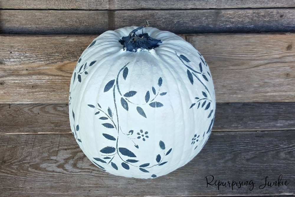 Painting and Stenciling Pumpkins for Halloween which is a feature from Waste Not Wednesday-22 by Repurposing Junkie | www.raggedy-bits.com