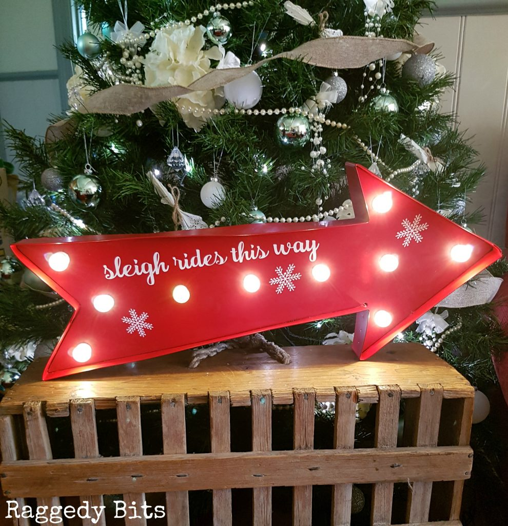 A collection of 5 Favourite Farmhouse Christmas finds to adorn your home this Christmas   www.raggedy-bits.com