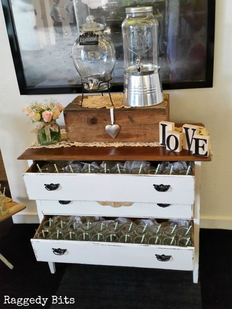 A collection of 12 DIY Farmhouse Favourites from 2016   www.raggedy-bits.com