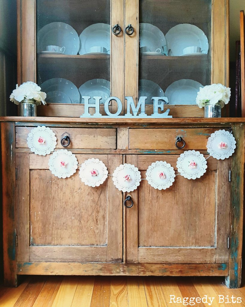 Make A 10 Minute DIY Farmhouse Paper Rose Doily Garland To Add Some Charm