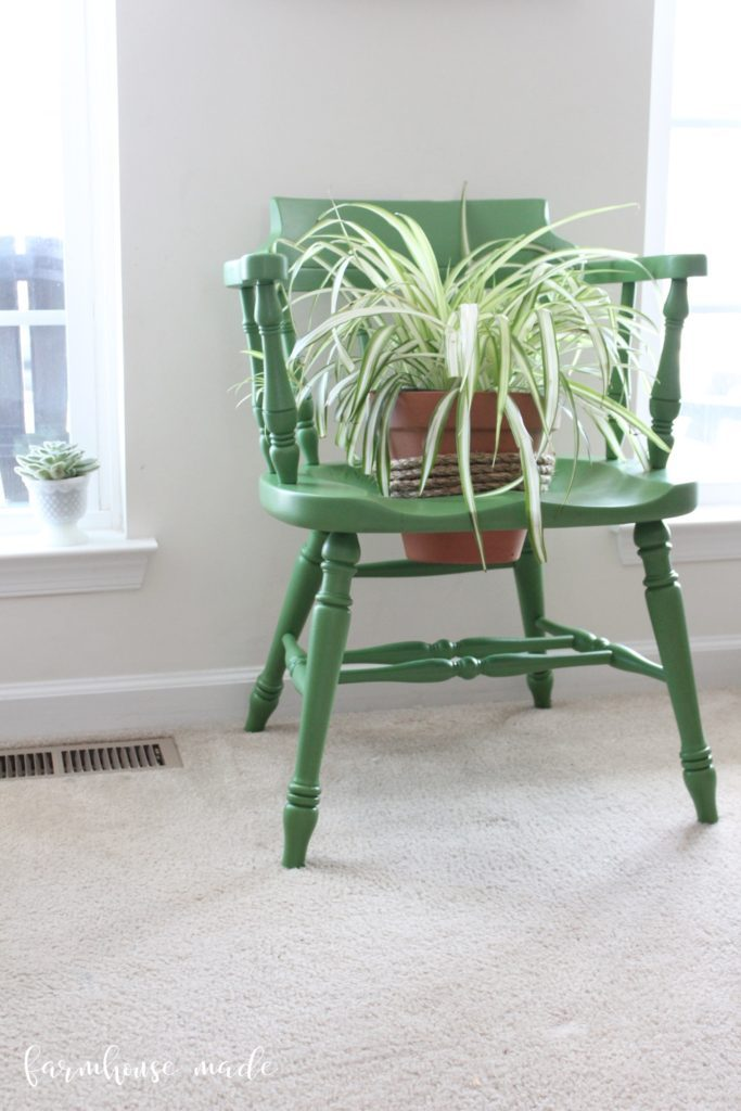 DIY Planter from a Salvaged Chair which is a feature from Waste Not Wednesday-46 by Farmhouse Made | www.raggedy-bits.com