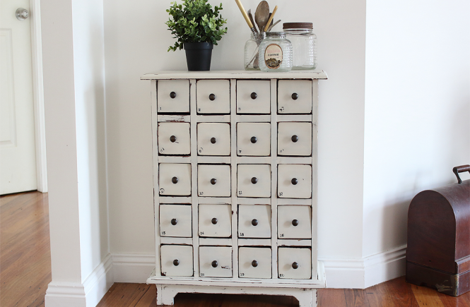Sharing how to transform an old set of drawers into a Farmhouse Card Catalog using Fusion Mineral Paint | www.raggedy-bits.com