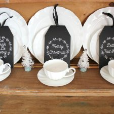 These Farmhouse Christmas Tags are perfect statement for your home. There are three different designs to chose from. Eat, Drink and Be Merry, Merry Christmas and Better Not Pout | www.raggedy-bits.com #chalkboard #christmas #decorations #tags #gifts #farmhouse