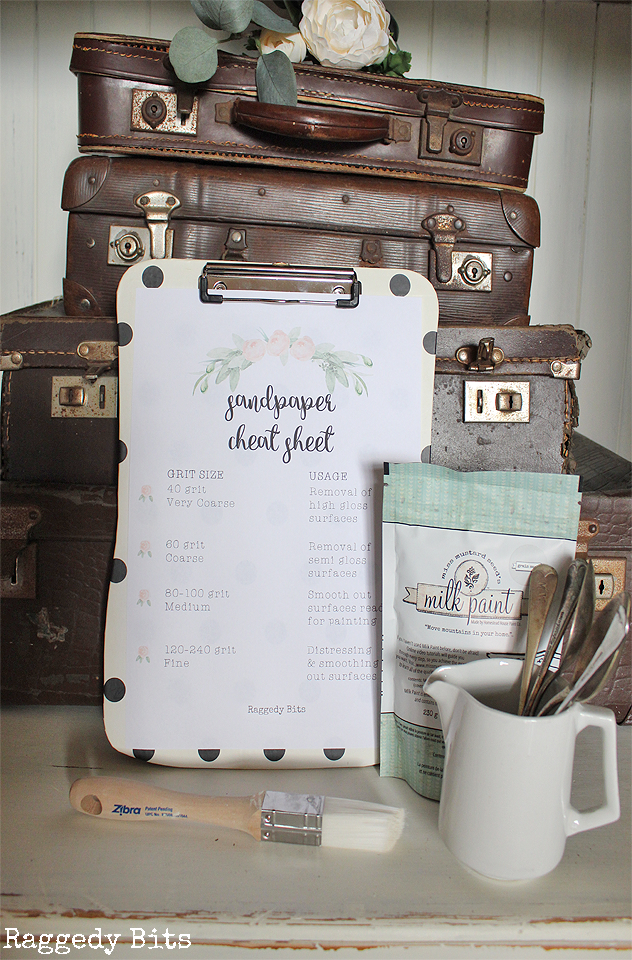 Sharing a fun Free Sandpaper Cheat Sheet Printable to print off on your home printer to refer to when furniture flipping | www.raggedy-bits.com | #printable #furnitureflip #farmhouse #sandpaper #raggedybits