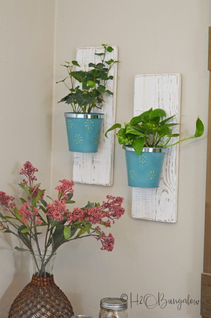 DIY Wall Hanging Planters which is a feature from Waste Not Wednesday-90 by DIY Wall Hanging Planters | www.raggedy-bits.com