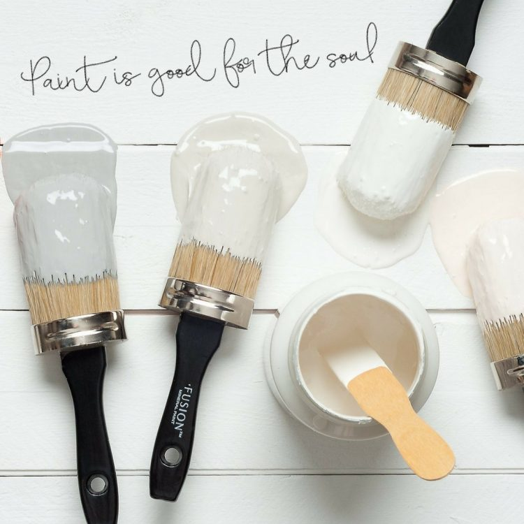 Learn how to use Fusion Mineral Paint from Prep to Finish | Book your workshop | www.raggedy-bits.com | #fusionmineralpaint #workshop #raggedybits #learn #prep #finish