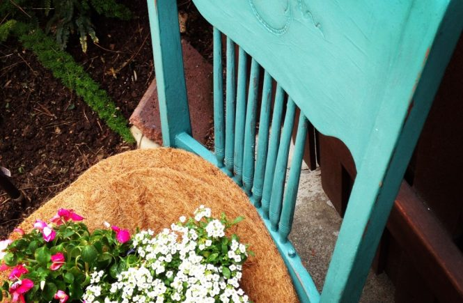 Repurposed Vintage Chair Planter is a feature from Waste Not Wednesday-93 by Duct Tape and Denim | www.raggedy-bits.com