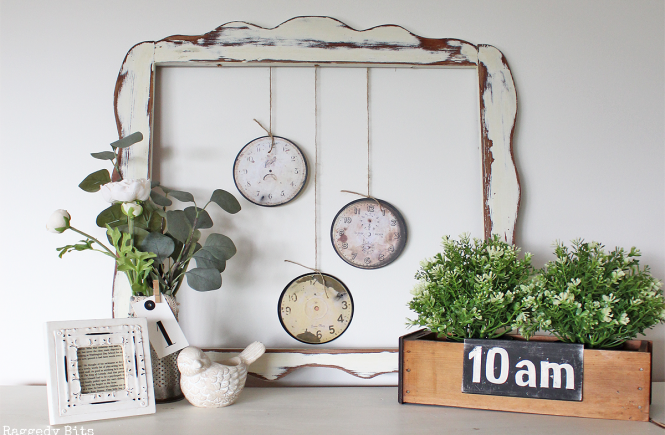 See how easy it is to turn some old scratched CDs into some DIY Vintage Farmhouse Clock Faces | www.raggedy-bits.com | #clockfaces #DIY #farmhouse #raggedybits #vintage