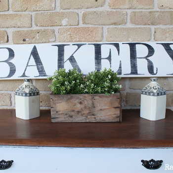 Signs sure are a fun thing to make! Sharing how I made some Farmhouse Bakery Antiques Kitchen Signs using pine wood and Fusion Mineral Paint | www.raggedy-bits.com | #raggedybits #DIY #farmhouse #bakery #antiques #kitchen #paint #fusionmineralpaint #sign
