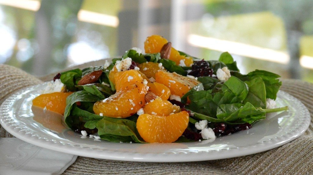 Spinach and Mandarin Orange Salad is a feature from Waste Not Wednesday-103 by My Family Thyme | www.raggedy-bits.com