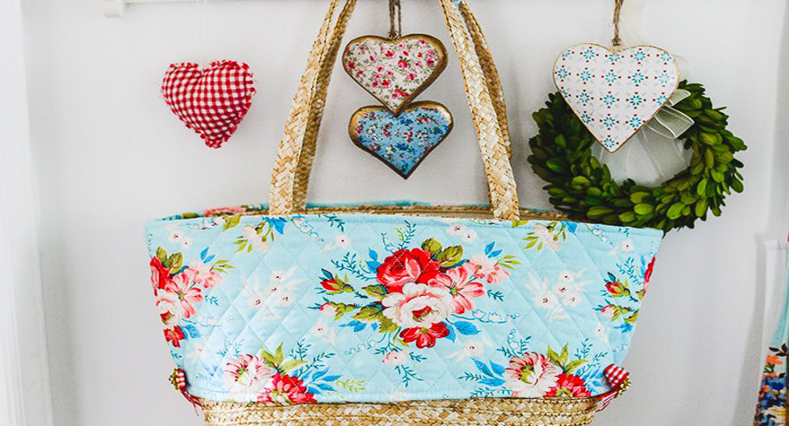 Features from our fun Waste Not Wednesday-107 DIY, Craft, Home Decor and Recipe party this week! Be sure to join us and share your DIY, Craft, Home Decor and favourite recipes! | www.raggedy-bits.com | www.mythriftyhouse.com | www.salvagesisterandmister.com | www.faeriesandfauna.com #WasteNotWednesday #DIY #HomeDecor #Craft #Recipes
