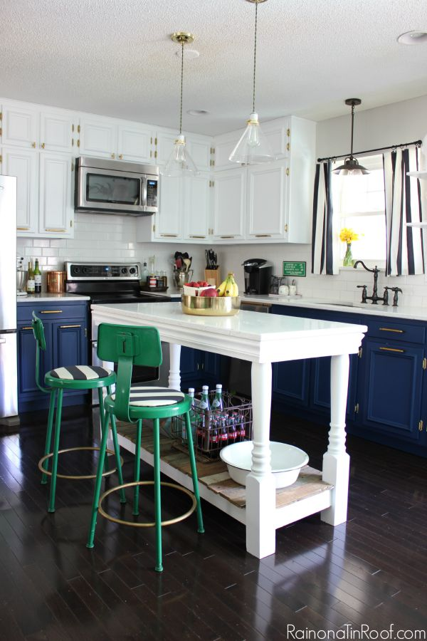 Navy and White Modern Kitchen is a feature from Waste Not Wednesday-109 by Rain On A Tin Roof | www.raggedy-bits.com