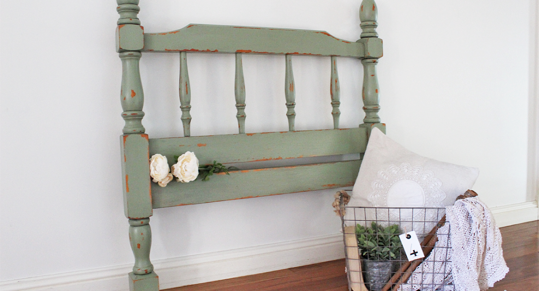 After finding this old bedhead on the side of the road it couldn't get into my boot quick enough! Sharing How to use an Old Farmhouse Bedhead as Wall Art | www.raggedy-bits.com | #bedhead #sweetpickinsmilkpaint #oholive #raggedybits #farmhouse #wallart #diy #paint