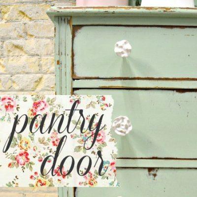 Sweet Pickins Milk Paint - Pantry Door | www.raggedy-bits.com | #raggedybits #paintsupplier #milkpaint #paintedfurniture #pantrydoor