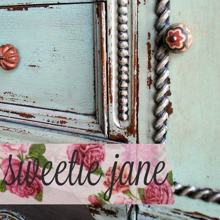 Sweet Pickins Milk Paint - Sweetiejane | www.raggedy-bits.com | #raggedybits #paintsupplier #milkpaint #paintedfurniture #sweetiejane