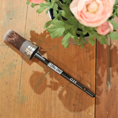 Cling On! Brushes - Oval feature soft and durable DuPont synthetic filaments fully locked in epoxy cement to minimize shedding, a stainless steel ferrule and a beechwood handle | www,raggedy-bits.com | #clingon #paintbrush #DIY #paintedfurniture #ovalbrush #raggedybits