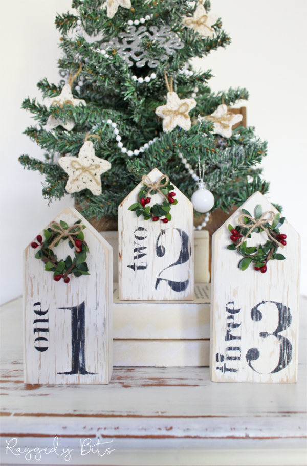 Come along and have some fun at our Christmas Farmhouse Number House Workshop. The workshop will teach you from prep to finish on how to complete a Farmhouse Sign using Fusion Mineral Paint. All materials supplied plus a yummy lunch is included | www.raggedy-bits.com | #workshop #raggedybits #fusionmineralpaint #sign #farmhouse