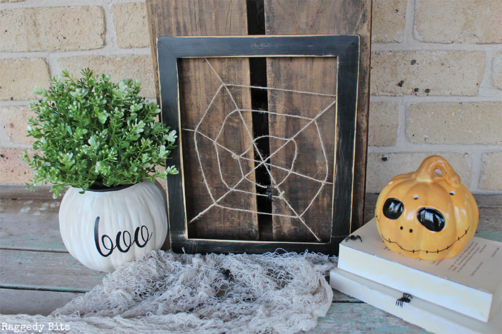 day 2 of the halloween 5 day decorating challenge sharing how to make some creepy