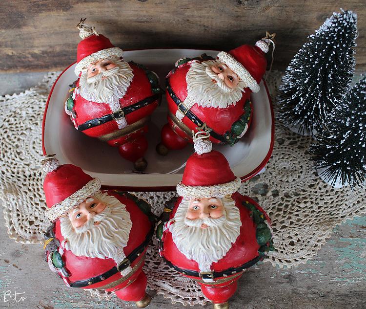 Chubby Vintage Santa Ornament | www.raggedy-bits.com | #raggedybits #santa #vintage #farmhouse #christmasornament #christmasdecor