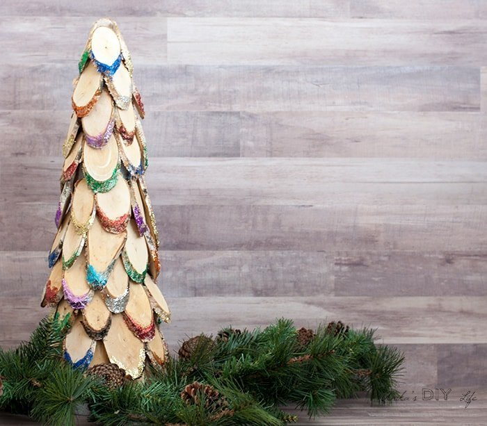 How to make Colourful Wood Slice Christmas Tree which is a feature for Waste Not Wednesday-133 by Anika's DIY Life | www.raggedy-bits.com