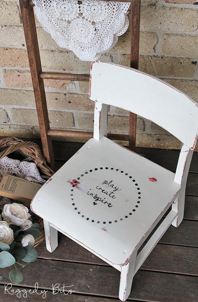 Farmhouse Kids Create Play Inspire Chair | www.raggedy-bits.com | #raggedybits #paintedfurniture #homedecor #DIY #upcycle