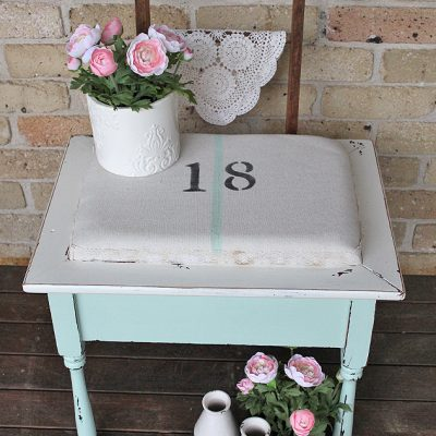 Vintage Farmhouse Mint Stool | www.raggedy-bits.com | #raggedybits #paintedfurniture #homedecor #DIY #upcycle