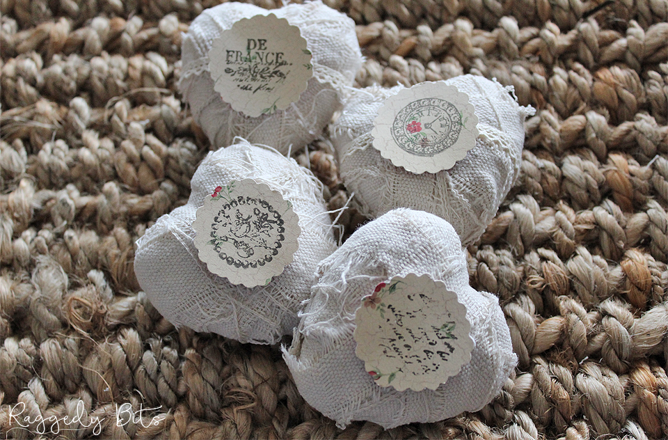 Sharing an easy way on How To Make Vintage Farmhouse Hearts Using Drop Cloth | www.raggedy-bits.com | #raggedybits #dropcloth #DIY #vintage #farmhouse #IronOrchidDesignDecorStamps