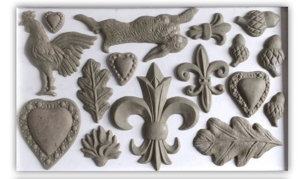 Have fun adding texture to your projects with these Iron Orchid Designs Decor Moulds -Fleur De Lis | www.raggedy-bits.com | #raggedybits #IOD #FlerDeLis #texture #DIY #Moulds