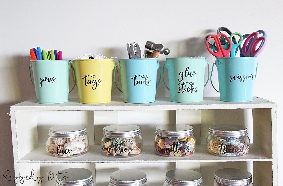 Being organised makes all such a big difference and takes away the stress when you can't find something. Sharing today how to Organise your Craft Room with Farmhouse Craft Room Labels | www.raggedy-bits.com | #raggedybits #organise #craftroom #farmhouse #labels #diy