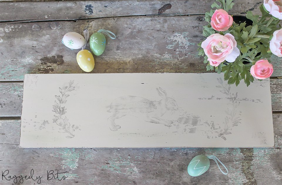 Sharing a fun way on how to paint Farmhouse Easter Signs using Fusion Mineral Paint - Tone For Tots and IOD Decor Stamps | www.raggedy-bits.com | #raggedybits #easter #sign #spring #farmhouse #fusionmineralpaint #tonefortots #pastel #DIY