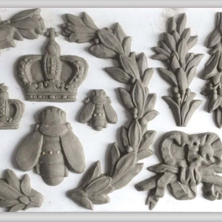 Have fun adding texture to your projects with these Iron Orchid Designs Decor Moulds -Laurel | www.raggedy-bits.com | #raggedybits #IOD #Laurel #texture #DIY #Moulds