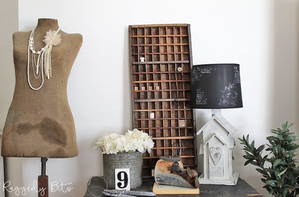 Using some Sweet Pickins Milk Paint and IOD Decor Stamps see how I gave this dated Lamp a fresh new farmhouse look   Farmhouse Lamp Make Over   www.raggedy-bits.com   #raggedybits #diy #farmhouse #vintage #SweetPickinsMilkPaint #IODDecorStamps #upcycle #repurpose