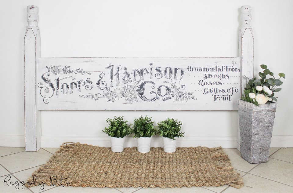 Sharing a fun way on how to repurpose an old bedhead into a Farmhouse Bedhead Sign using a Decor Transfer | www.raggedy-bits.com | #raggedybits #farmhouse #DIY #repurpose #upcycle #decortransfer #milkpaint