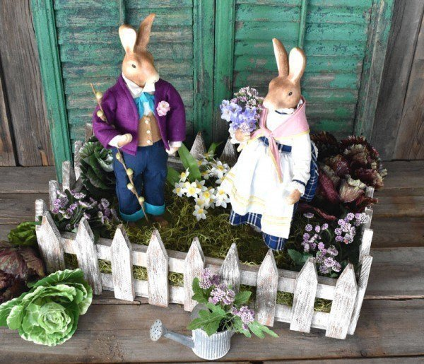 DIY Picket Fence Crate which is a feature for Waste Not Wednesday-150 by Tee Diddly Dee    www.raggedy-bits.com