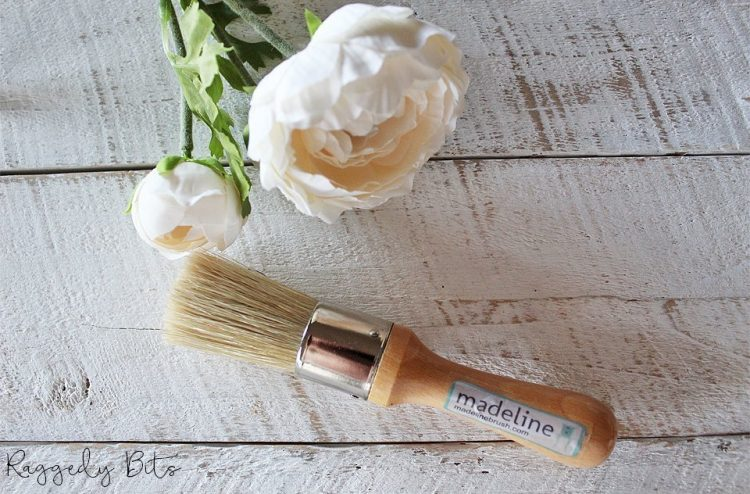 Madeline - Mini feature superb quality affordable wax brush with an ergonomically shaped handle that fits perfectly in the palm of your hand | www,raggedy-bits.com | #madeline #paintbrush #DIY #paintedfurniture #shorthandled #raggedybits #waxbrush
