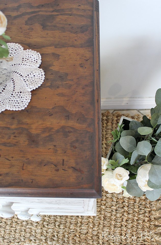 Join our Monthly Painting Party and learn all the tricks of the trade and see how to paint A Vintage Farmhouse Side Table | www.raggedy-bits.com | #raggedybits #monthlypaintingparty #DIY #farmhouse #vintage #fusionmineralpaint #IODDecorStamps