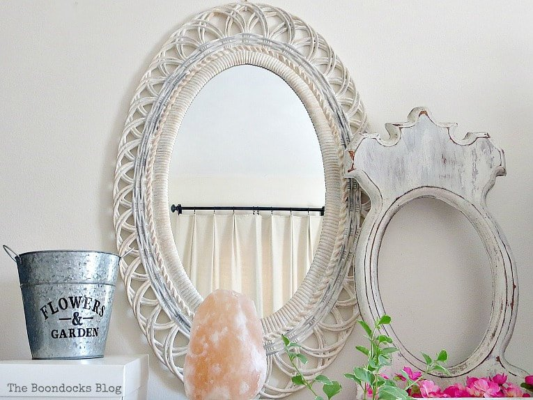 How To Save A Plastic Mirror From The Yard Sale which is a feature for Waste Not Wednesday-168 by The Boondocks Blog | www.raggedy-bits.com
