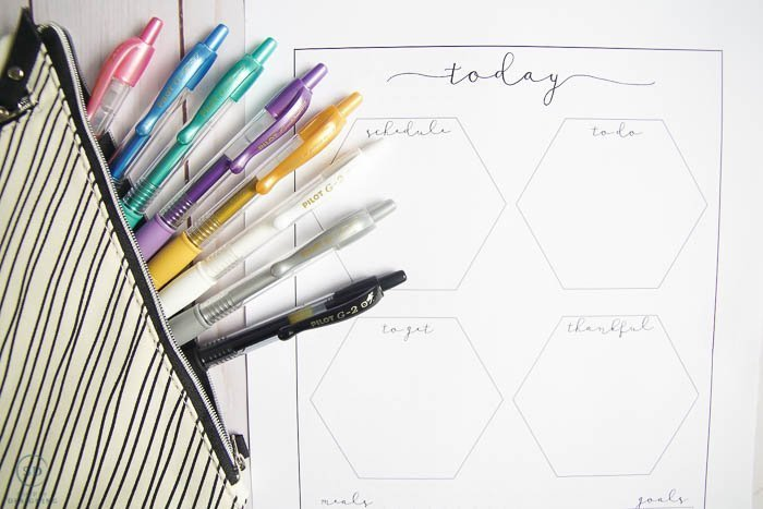 Bullet Journal Ideas & Free Journal Printable which is a feature for Waste Not Wednesday-170 by Simply Designing  | www.raggedy-bits.com