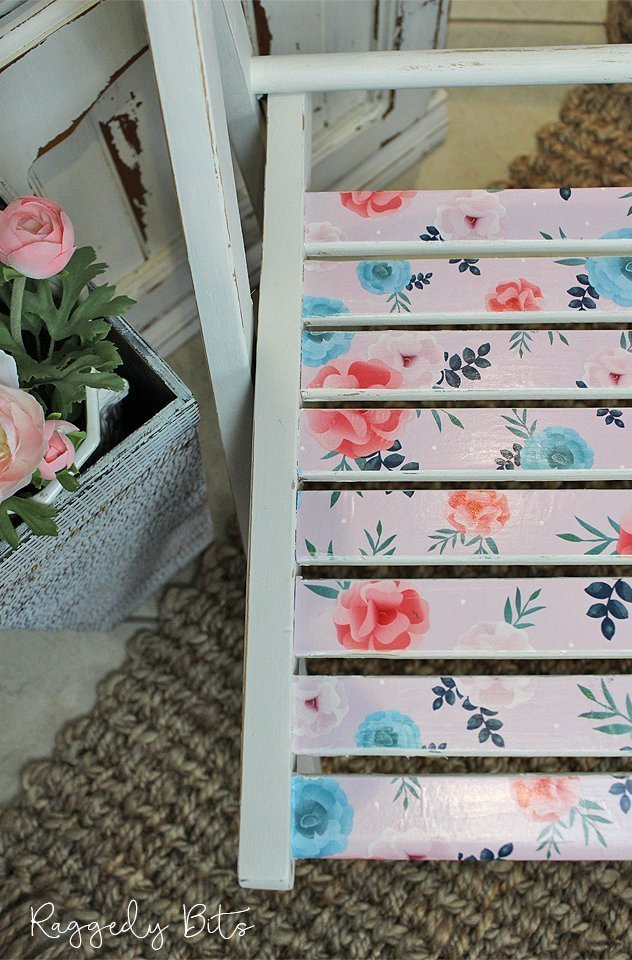 5 Chair Painting Challenge - Project 1 - How To Decoupage A Chair. Come and join in all the fun and see 5 different ways on how to paint a chair using different techniques | www.raggedy-bits.com | #raggedybits #DIY #paintedfurniture #FusionMineralPaint #decoupge #upcycle #farmhouse