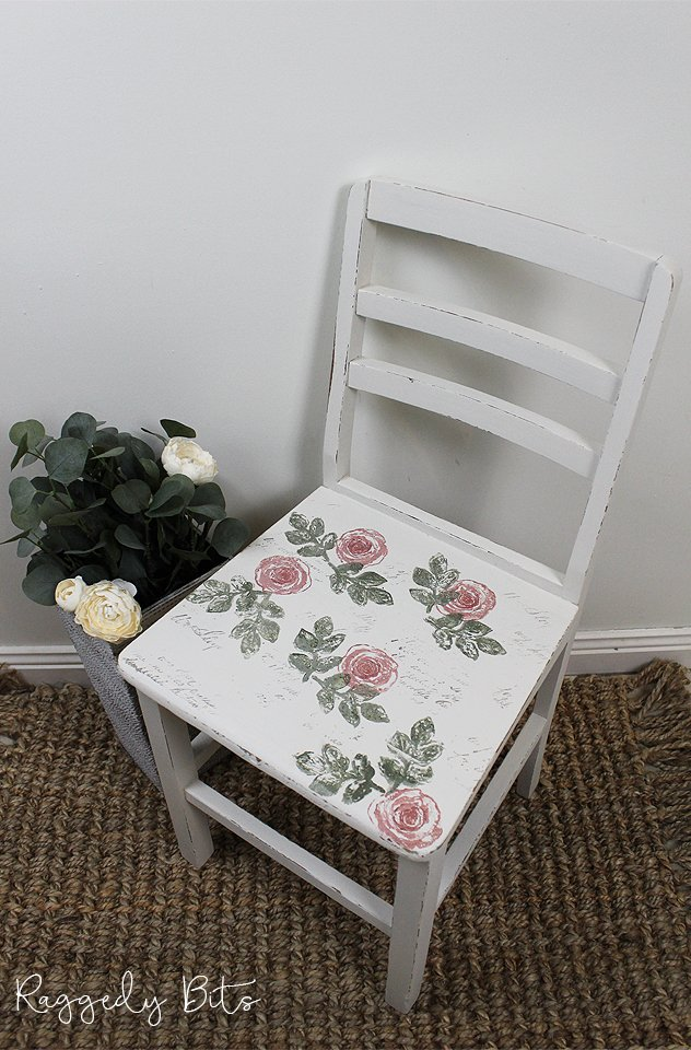 5 Chair Painting Challenge - Project 5 - How To Layer Stamp A Chair. Come and join in all the fun and see 5 different ways on how to paint a chair using different techniques | www.raggedy-bits.com | #raggedybits #DIY #paintedfurniture #FusionMineralPaint #stamping #upcycle #farmhouse #5chairpaintingchallenge